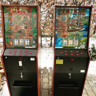 Til et godt værtshus hører også et par spillemaskiner, dem kan vi nu også tage med til din fest.